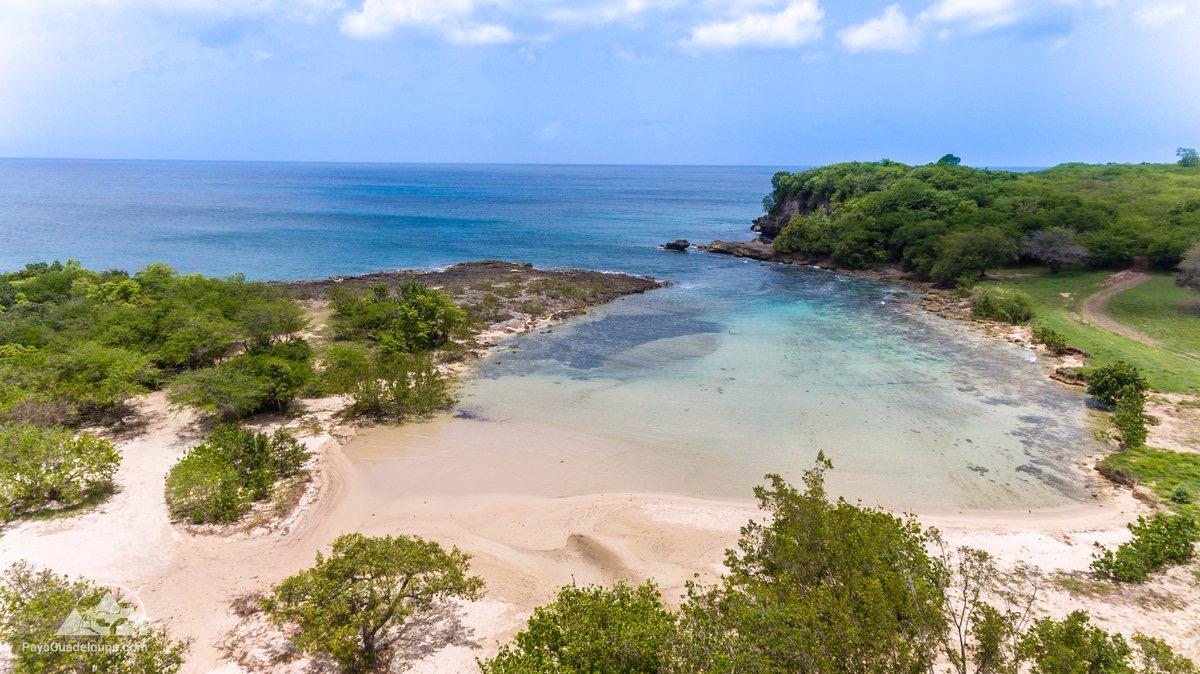 L'Anse Colas, un coin de paradis entre terre et mer