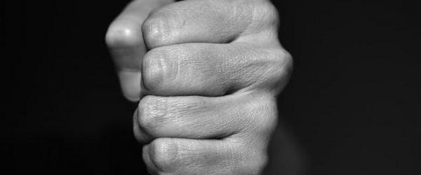 Violente agression à Bouillante : l'enseignant victime témoigne