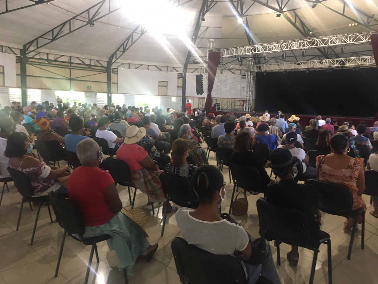 Montagne Pelée : les habitants du Morne-Rouge au rendez-vous du débat public