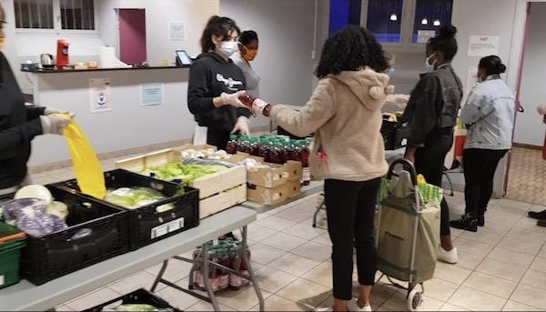"""Cagnotte solidaire pour des """"paniers de Noël"""" destinés aux étudiants"""