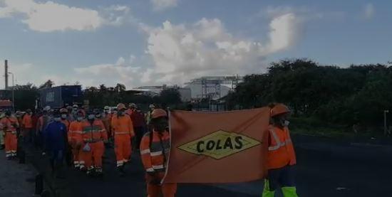 Les salariés de la Colas manifestent contre un plan social d'envergure