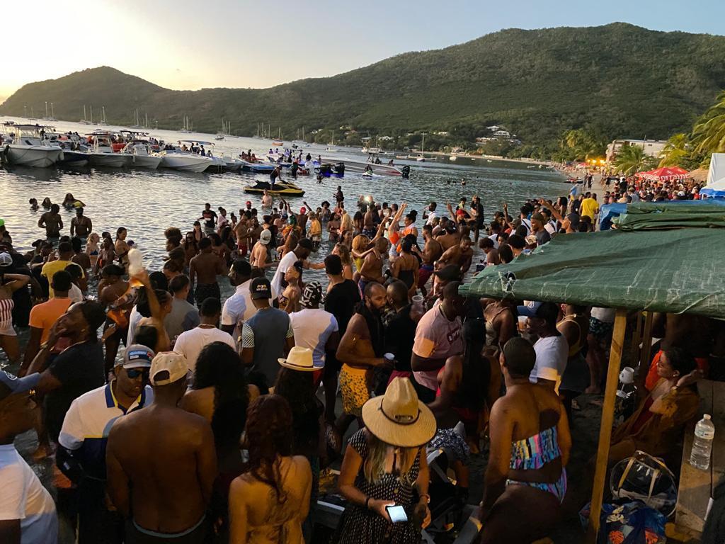 Un événement réunit plus de 200 personnes aux Anses d'Arlet malgré la crise sanitaire