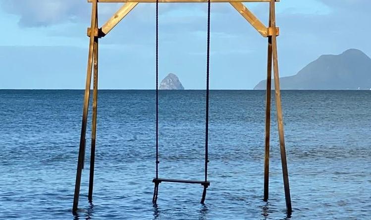 Balançoires, nids insolites : des spots pour valoriser la Martinique