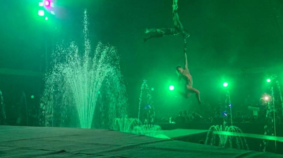 Le cirque Atlantis présente un spectacle aquatique inédit