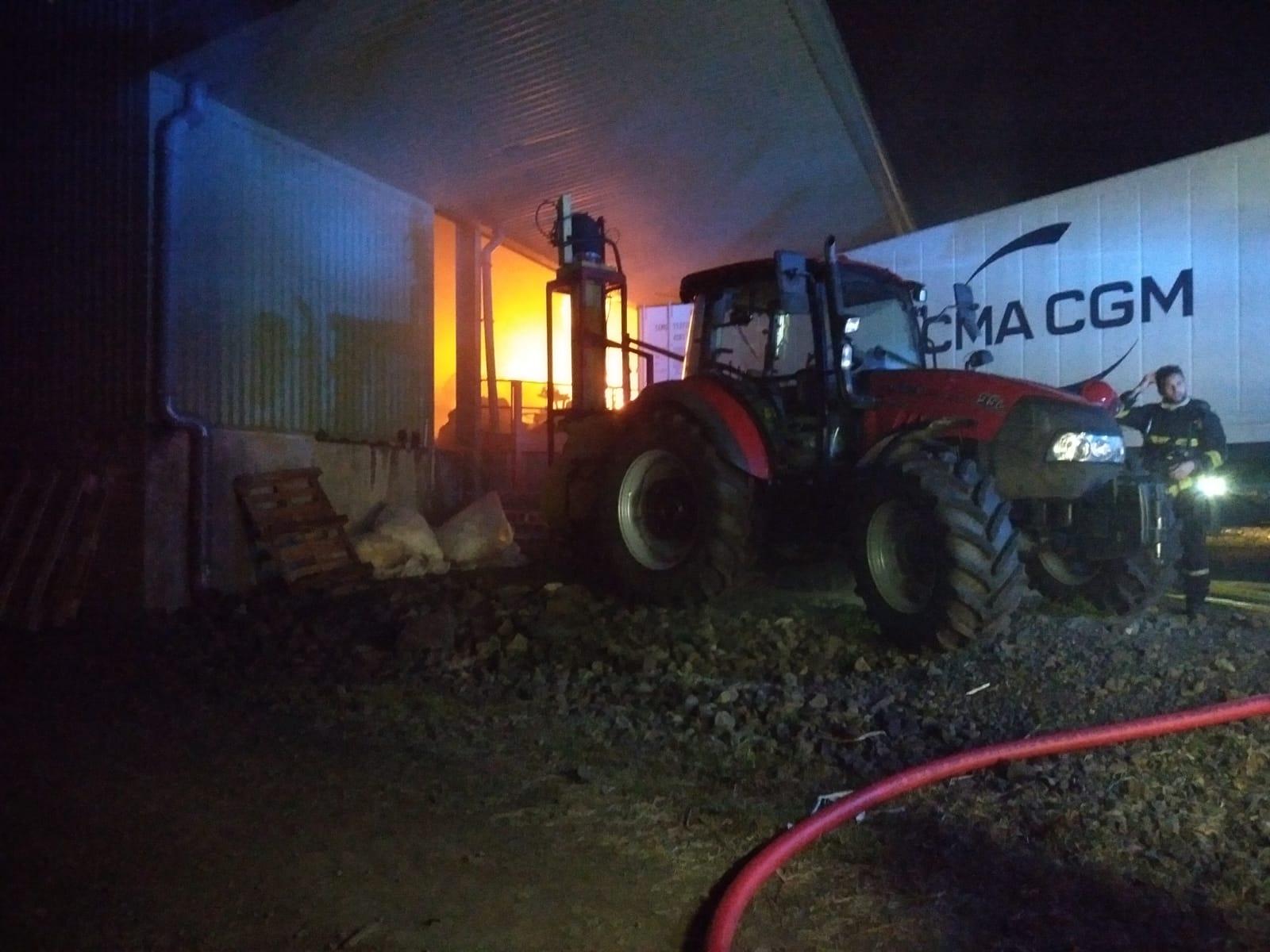Incendie dans un hangar à banane au François