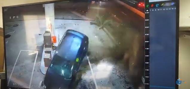 Les images spectaculaires de l'accident de la station de la Rocade