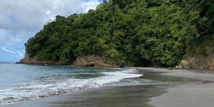 Echanges tendus entre campeurs et touristes à l'Anse Couleuvre