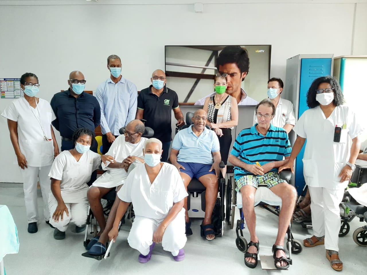 Lutte contre l'isolement : les résidents de l'EPHAD Emma Ventura reçoivent des dons