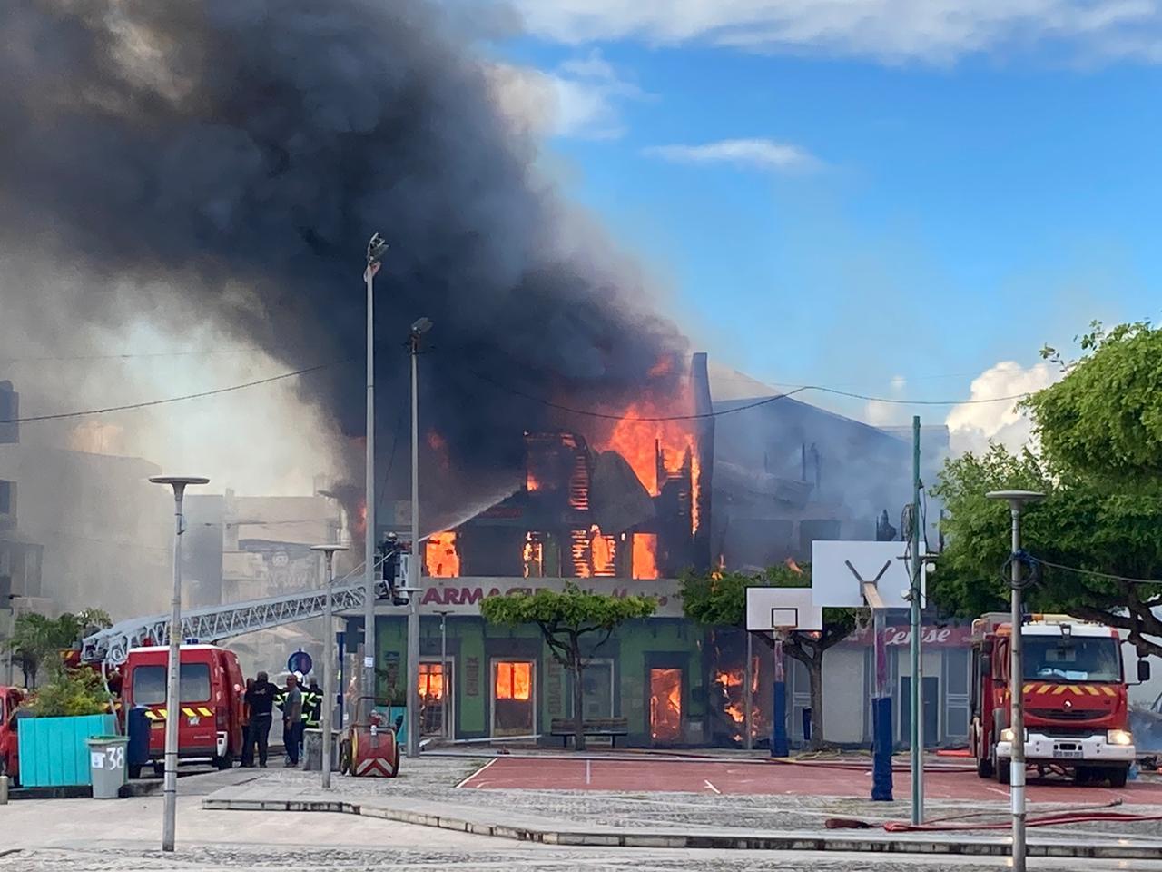 Incendie au Moule : une aide pour les professionnels de santé touchés