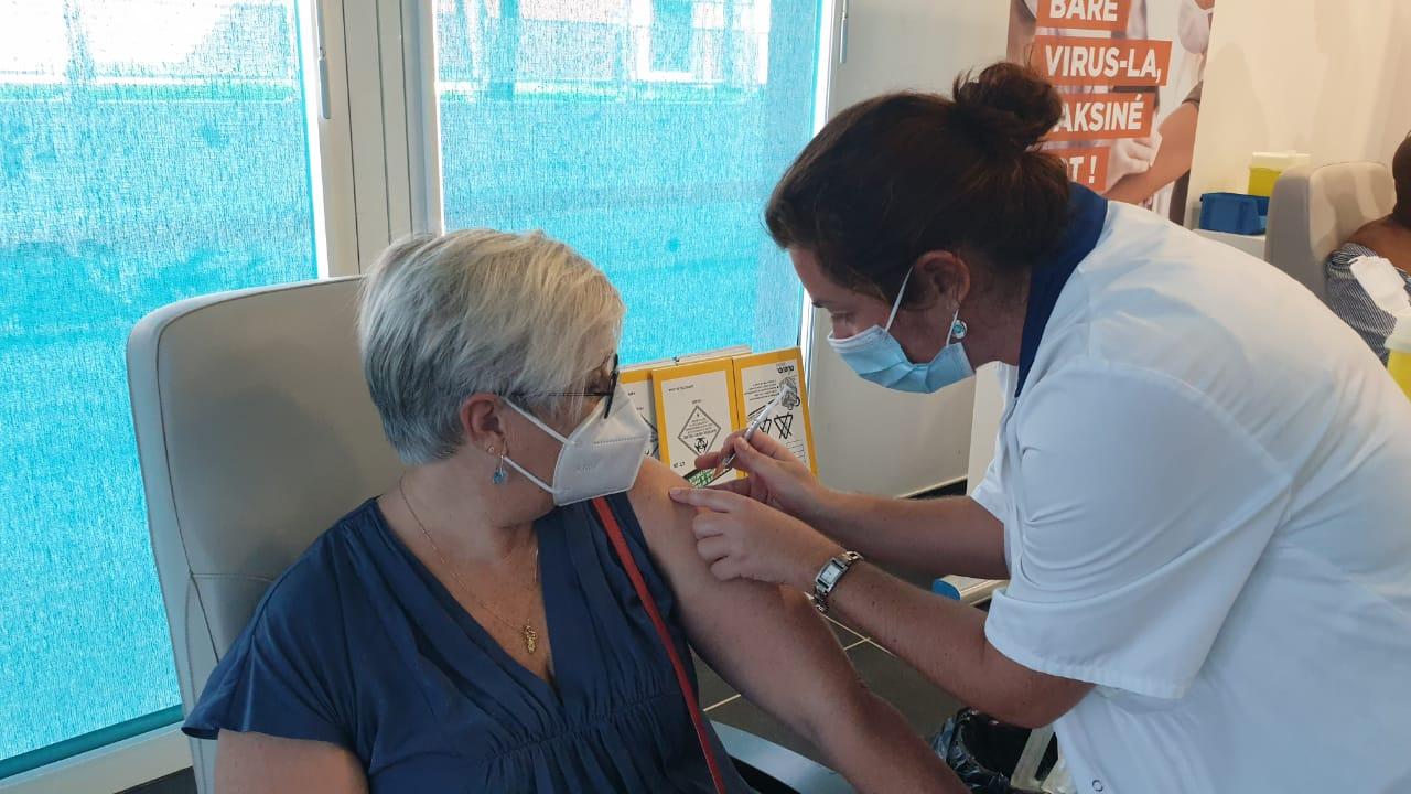 La campagne de vaccination a officiellement débuté en Guadeloupe