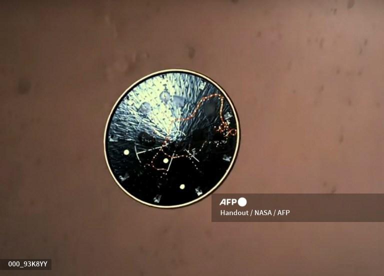La NASA publie les images incroyables de l'atterrissage du rover Perseverance sur Mars