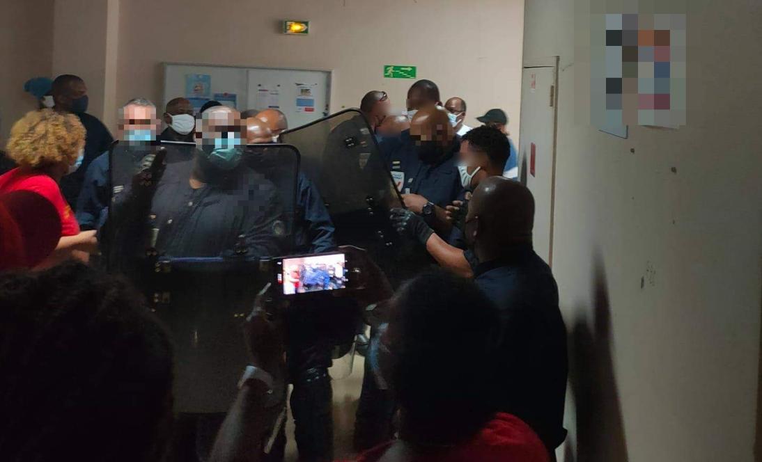 Vives tensions à l'hôpital Pierre Zobda Quitman
