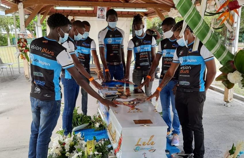 Un vibrant hommage rendu au jeune coureur de l'UVN  Lucas Arstand