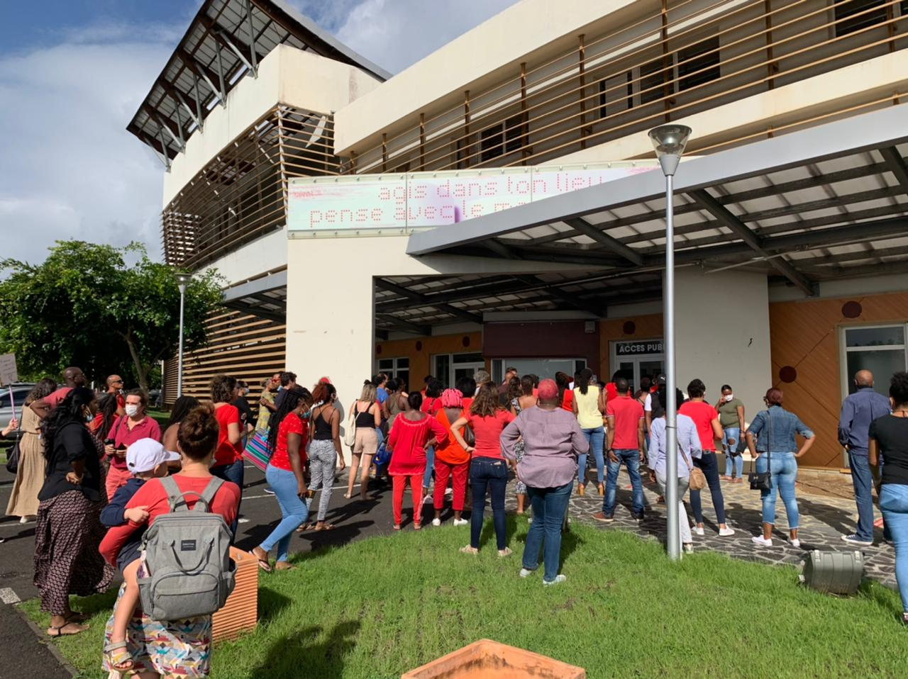 Port du masque à l'école : des parents d'élèves mobilisés devant le Rectorat
