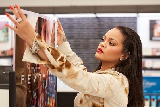 Rihanna entre dans le club des milliardaires