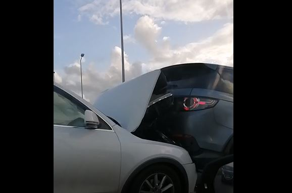 Collision entre quatre véhicules sur l'autoroute : un important embouteillage vers Ducos