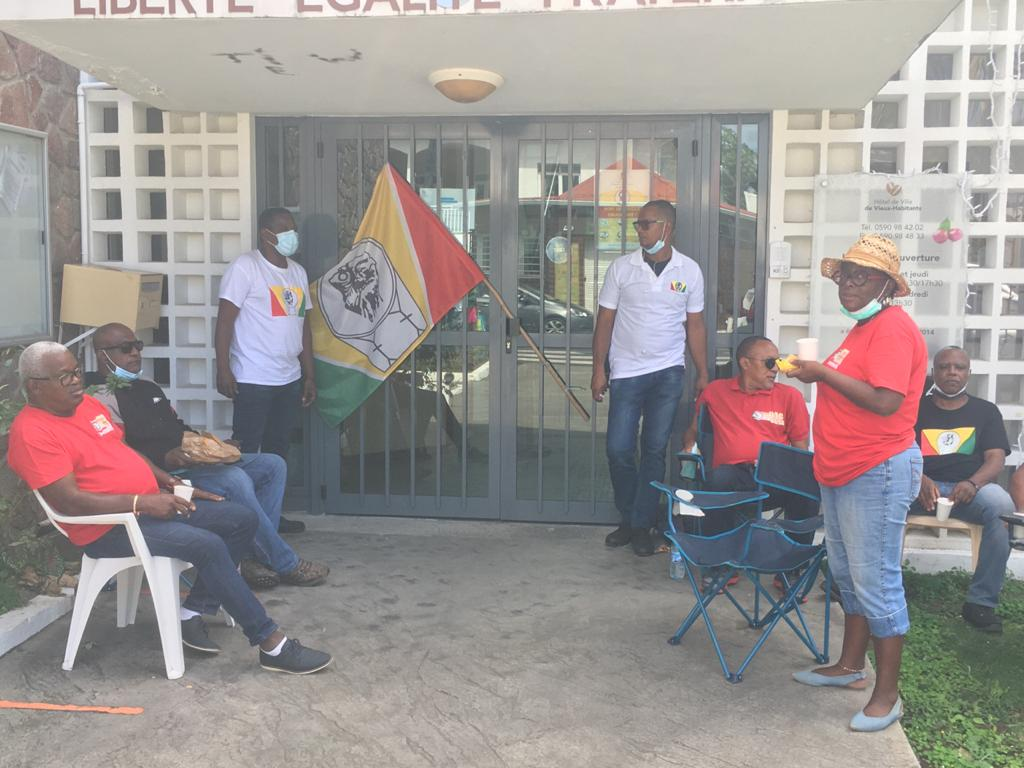 Mouvement de grève à la mairie de Vieux-Habitants