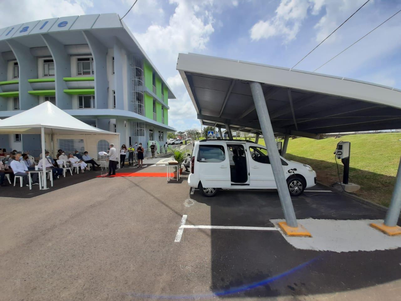 La CGSS Martinique se dote d'une ombrière solaire et de véhicules électriques