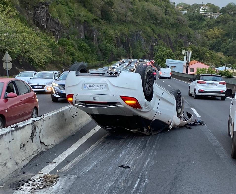 Un accident de la route provoque d'importants embouteillages sur la rocade