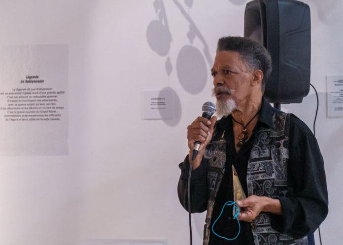Pour ses 40 ans de scène, Joby Bernabé chante et s'expose à l'Atrium