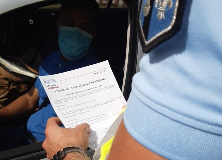 Les autorités contrôlent le respect du confinement en Martinique
