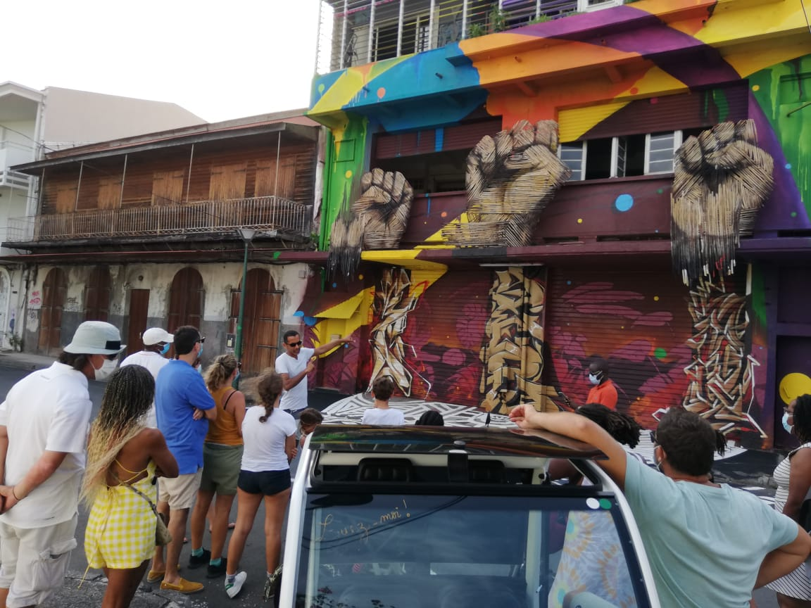Street Art Tour : une ballade en pousse-pousse avec l'artiste J-CH