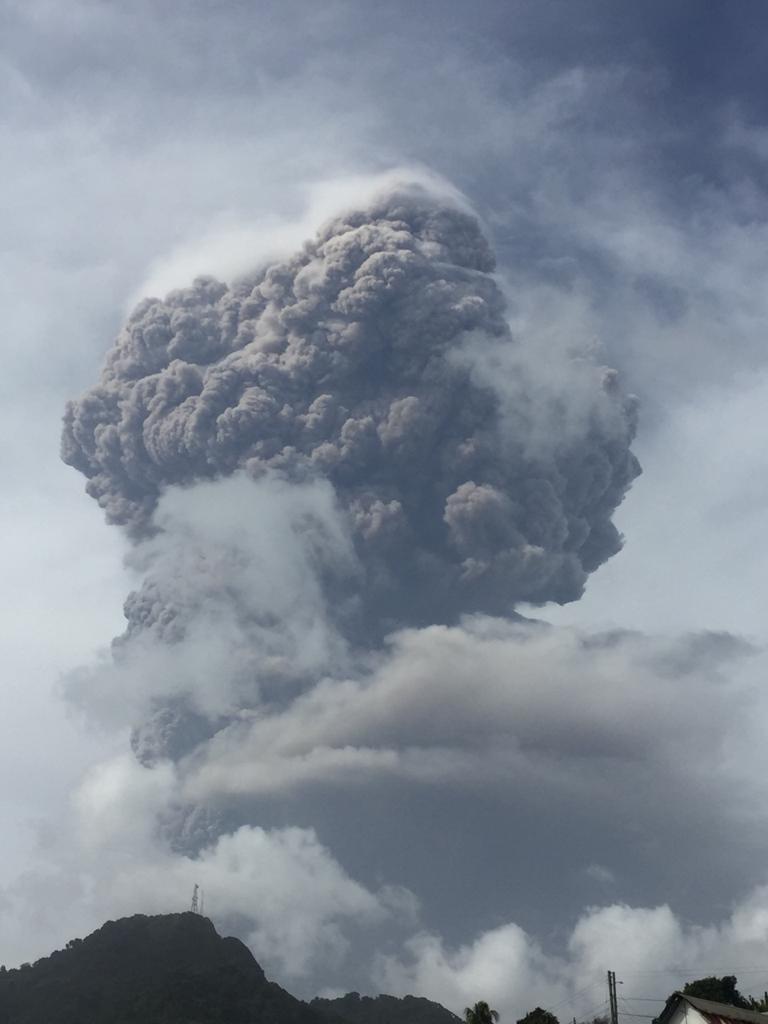 Saint-Vincent : deuxième explosion de la Soufrière