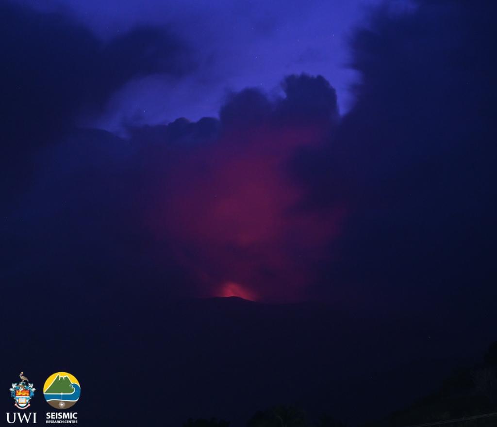 L'éruption explosive vient de débuter à Saint-Vincent
