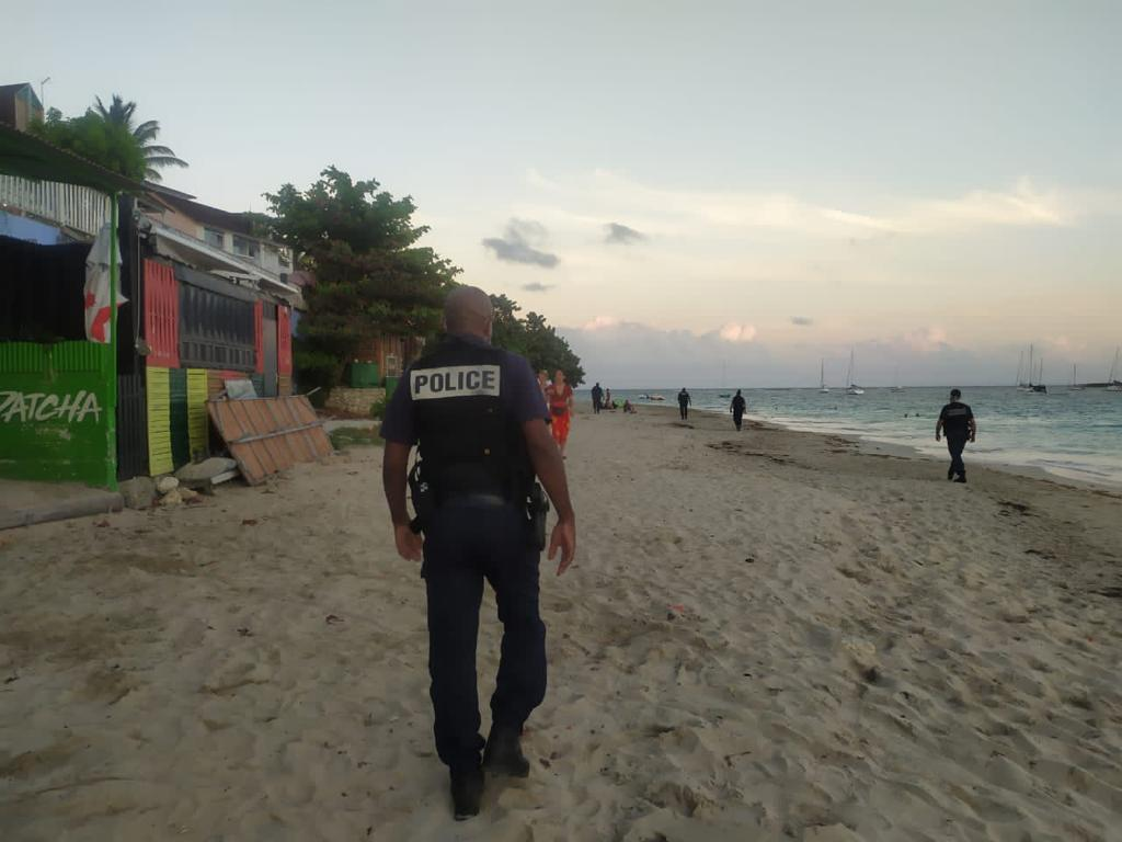 Pâques: les mesures sont-elles respectées sur les plages?