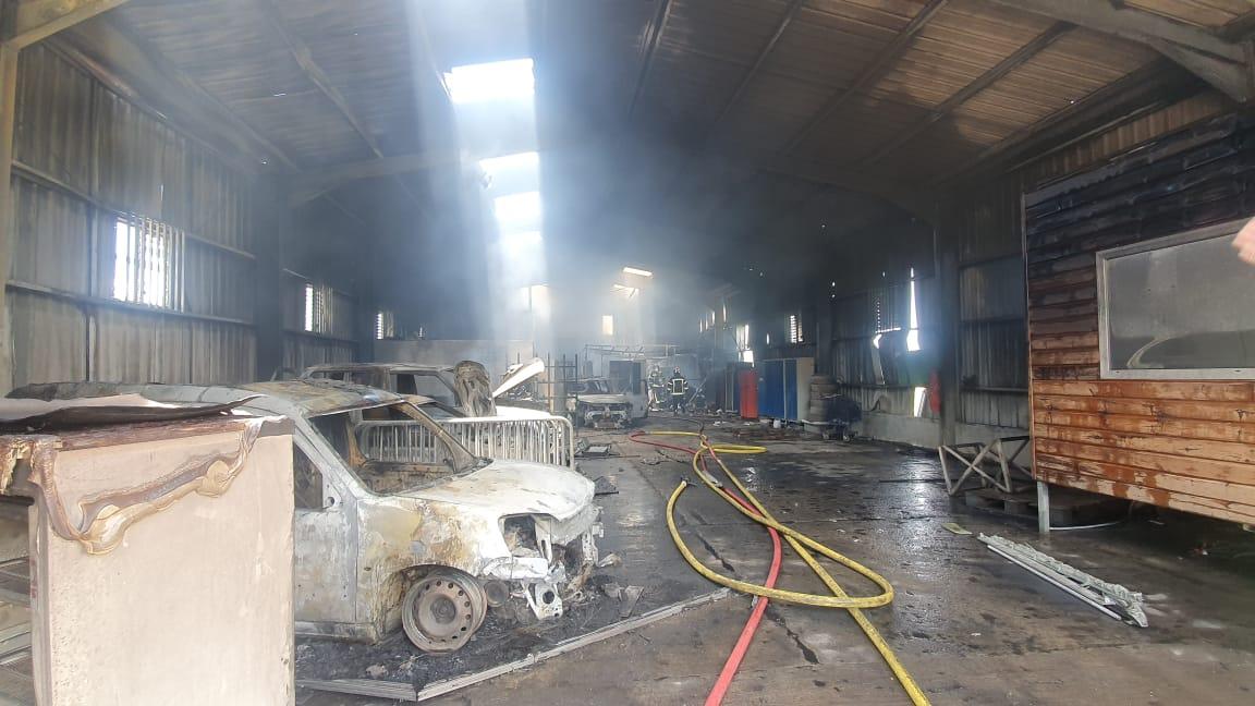 Un incendie ravage un entrepôt du SYVADE