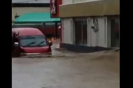 De fortes pluies provoquent des inondations à Saint-Vincent
