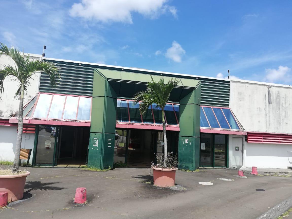 Les travaux sont en cours à l'ancien Géant du centre commercial Batelière