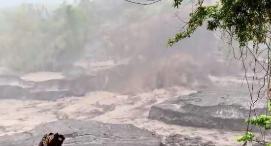 [Vidéos] Saint-Vincent sous la menace d'importants lahars