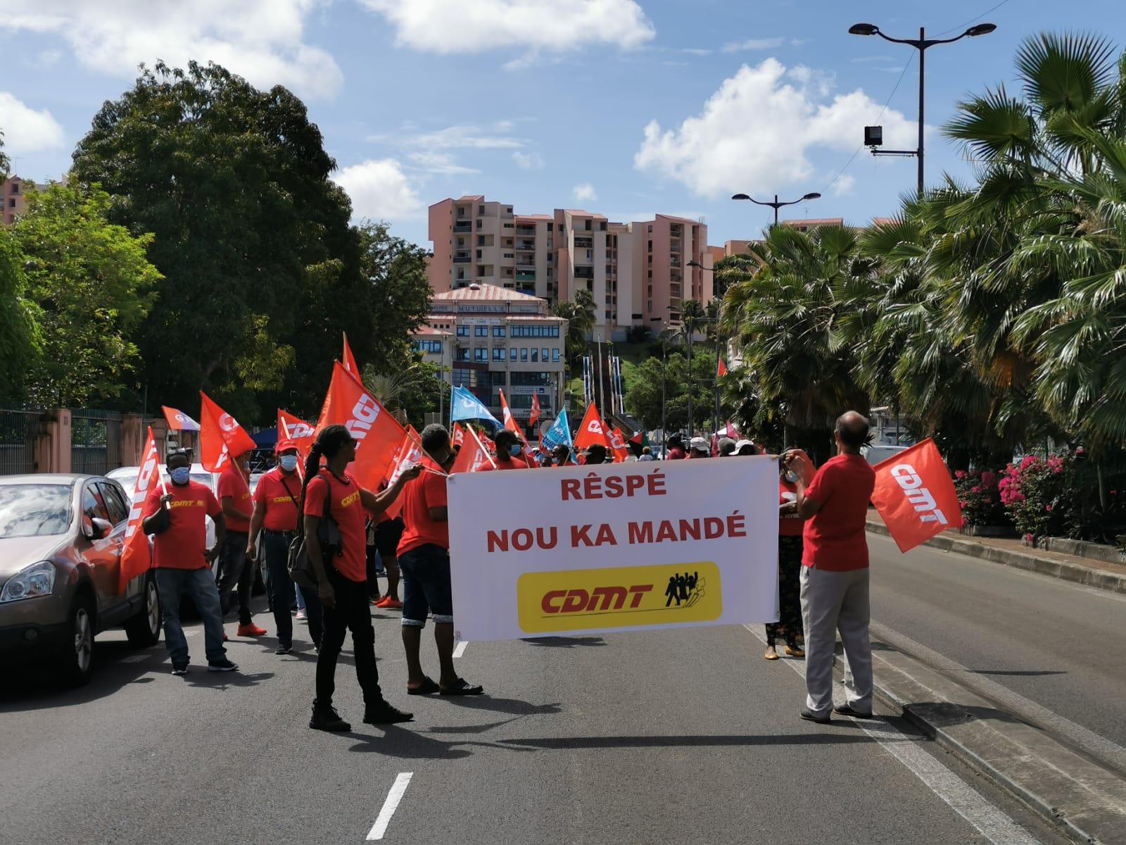 1er mai : un défilé malgré le confinement