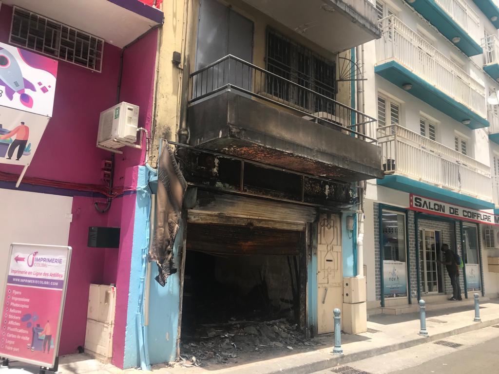 Appel aux dons pour un foyalais sans logement après les incendies des émeutes de Fort-de-France