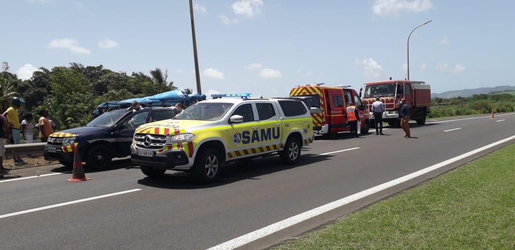 Un mort dans un grave accident entre une moto et une voiture à Rivière-Salée