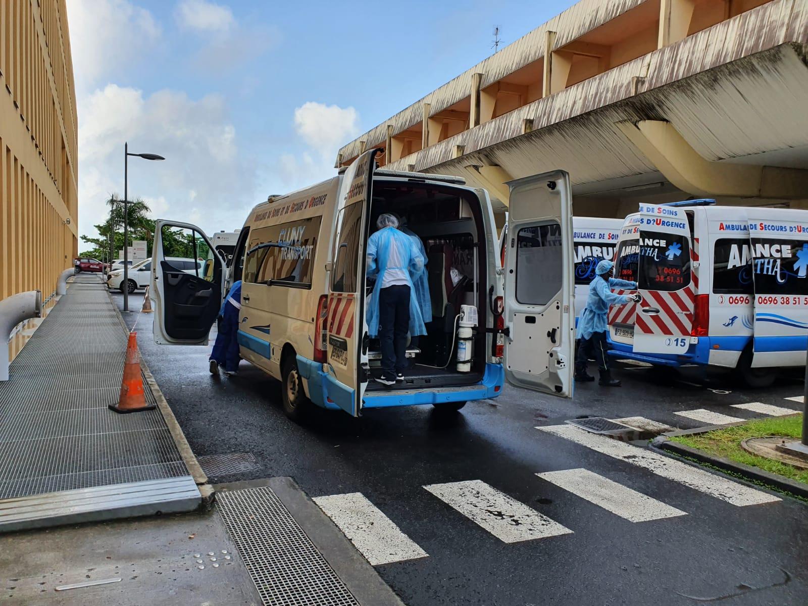 Trois malades du covid-19 évacués en avion vers l'Hexagone