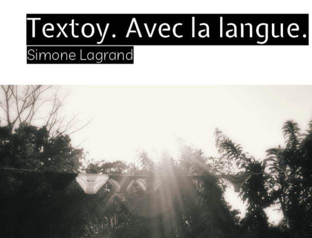 Simone Lagrand expose ses textoy à Fort-de-France