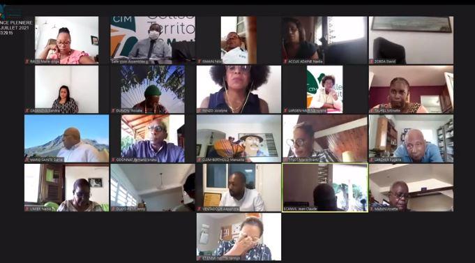 Covid-19 : la difficile élaboration d'une motion pour la gestion de la crise sanitaire en Martinique