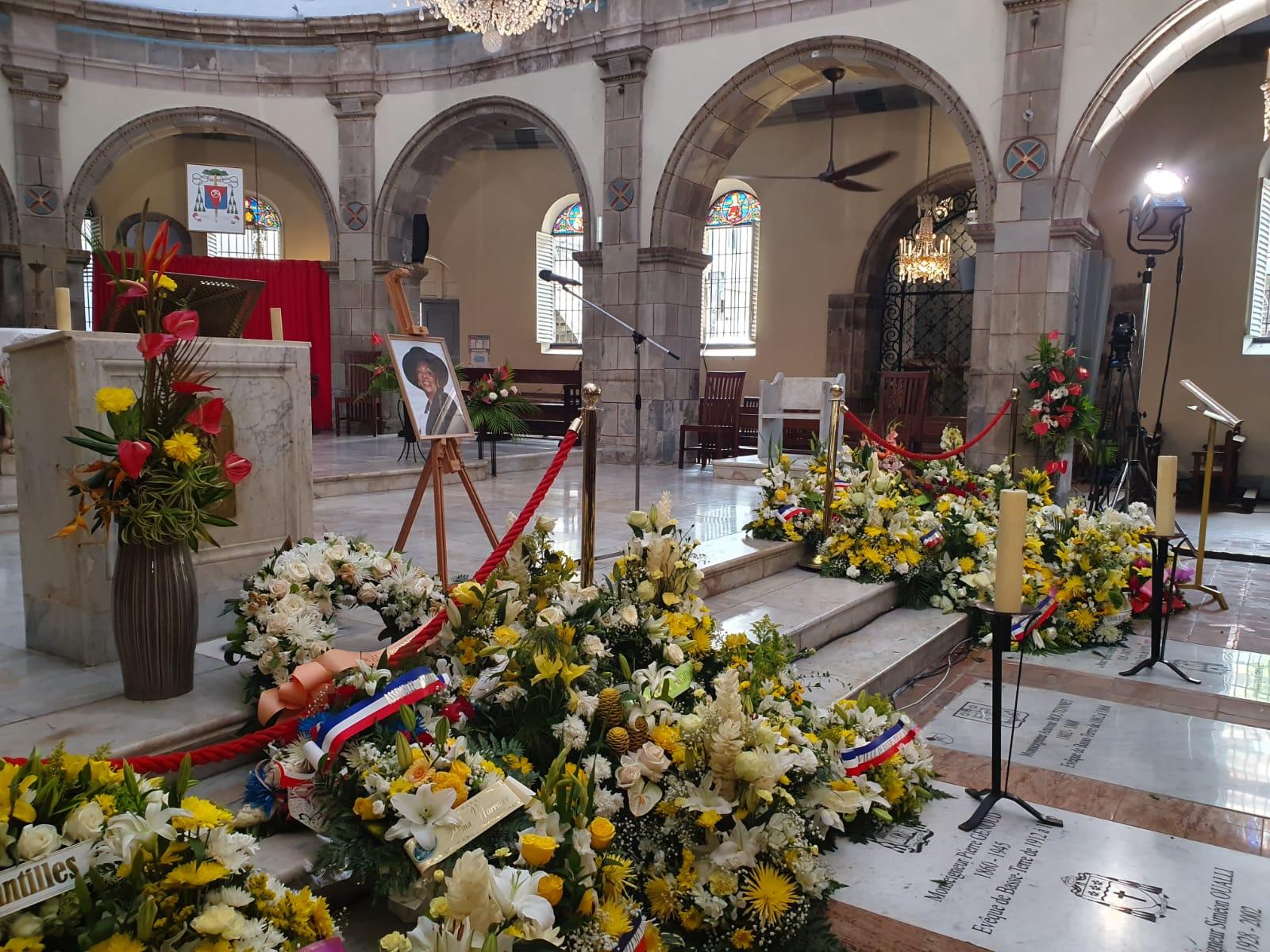 [LIVE] Suivez les funérailles de Lucette Michaux-Chevry à la cathédrale de Basse-Terre