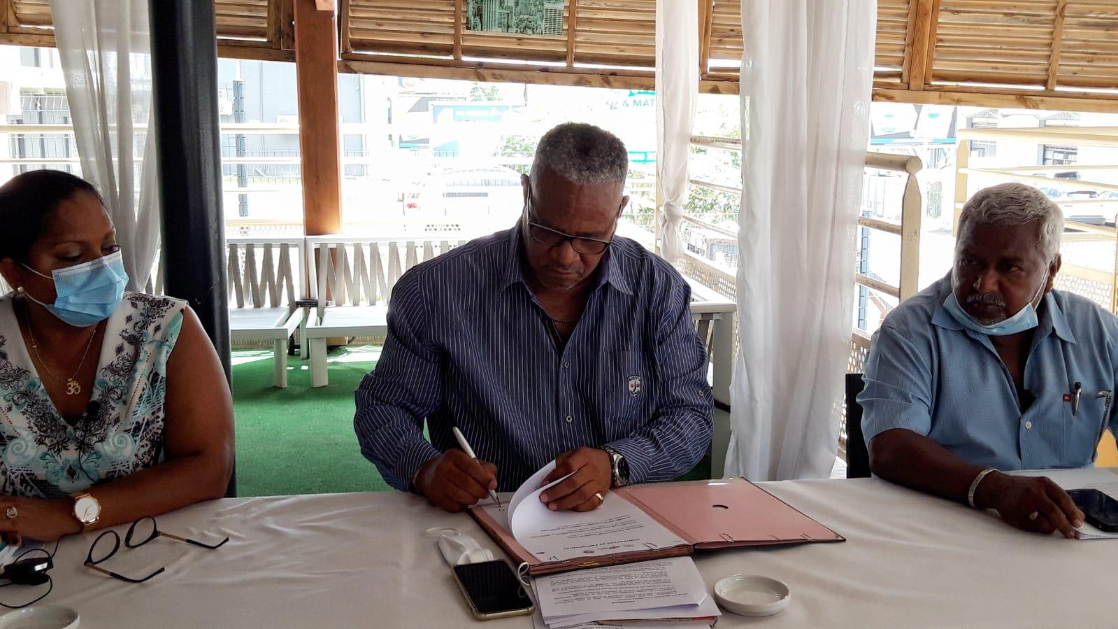 La fédération des très petites entreprises signe un partenariat