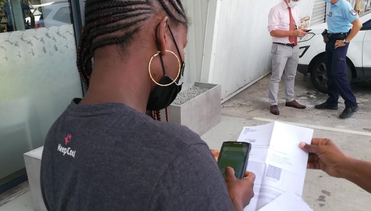 Le passe sanitaire entre en vigueur en Martinique pour accéder aux restaurants et salles de sport