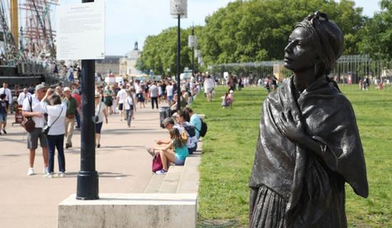 La statue de l'esclave Modeste Testas dégradée à Bordeaux