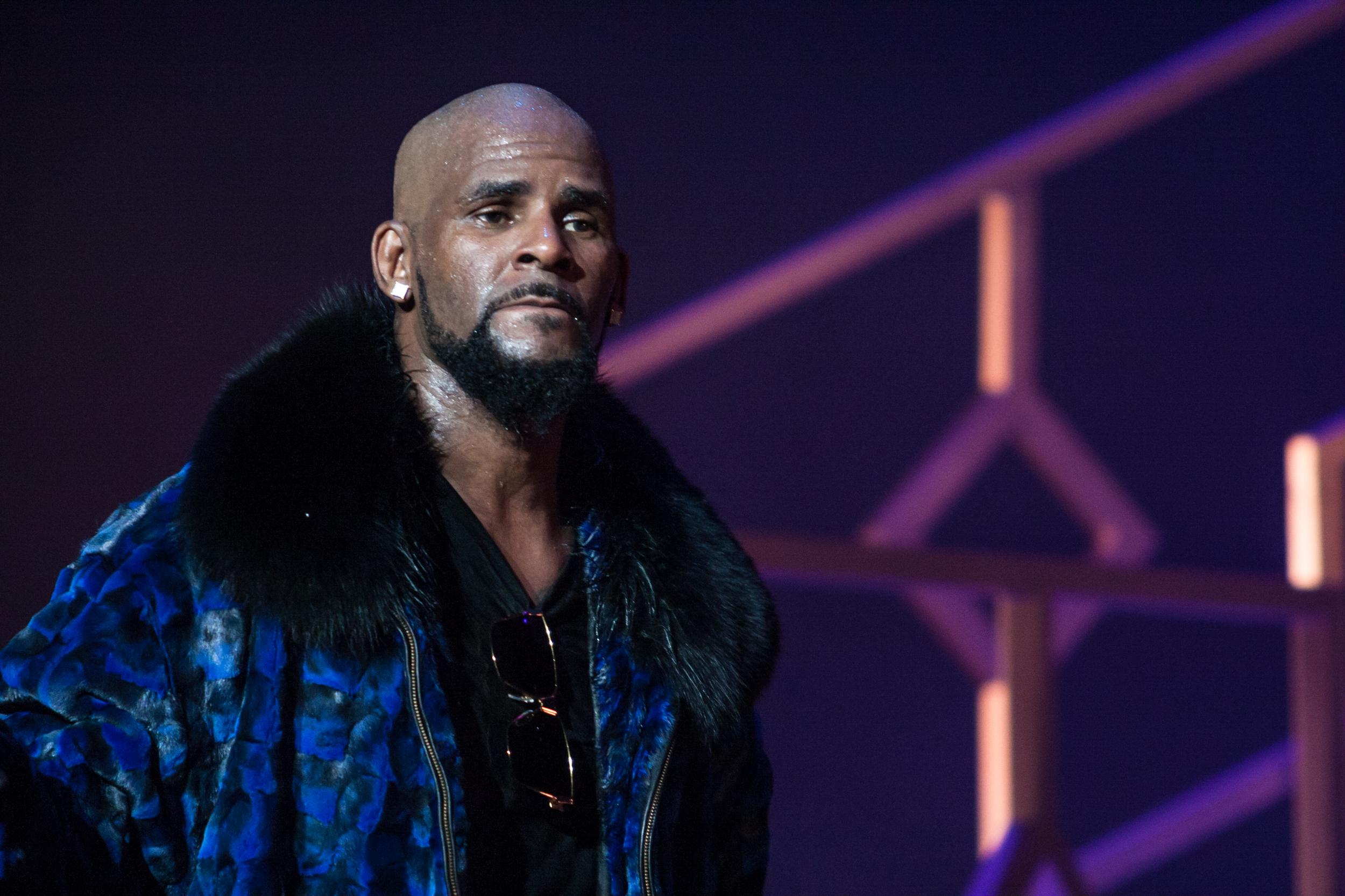 USA: le chanteur R. Kelly reconnu coupable de crimes sexuels