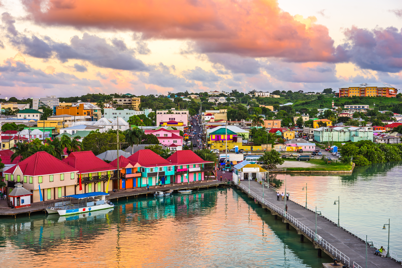 Antigua-et-Barbuda impose la vaccination obligatoire à tous les fonctionnaires
