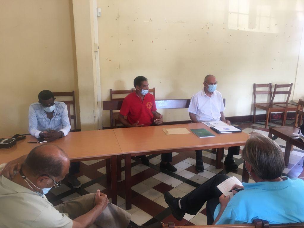 Plusieurs syndicats et associations se rassemblent contre la hausse du prix du gaz en Martinique