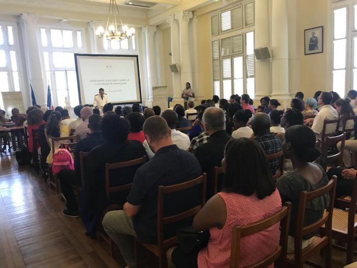45 personnes ont reçu leur décret de naturalisation