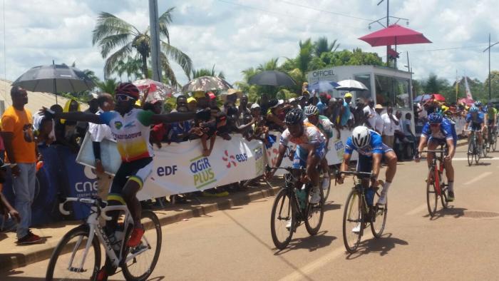 5ème étape du tour cycliste de Guyane: Mickaël Laurent remonte au classement général