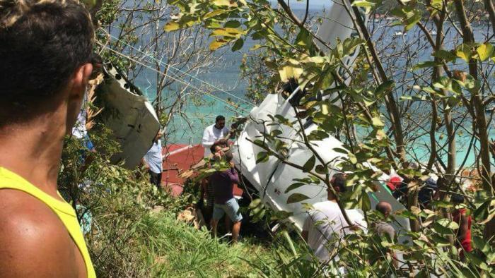 Accident d'avion aux Saintes : la femme dans un état sérieux