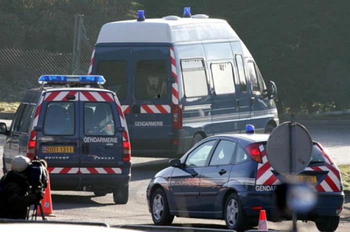 Accident entre gendarmes, détenus et particulier